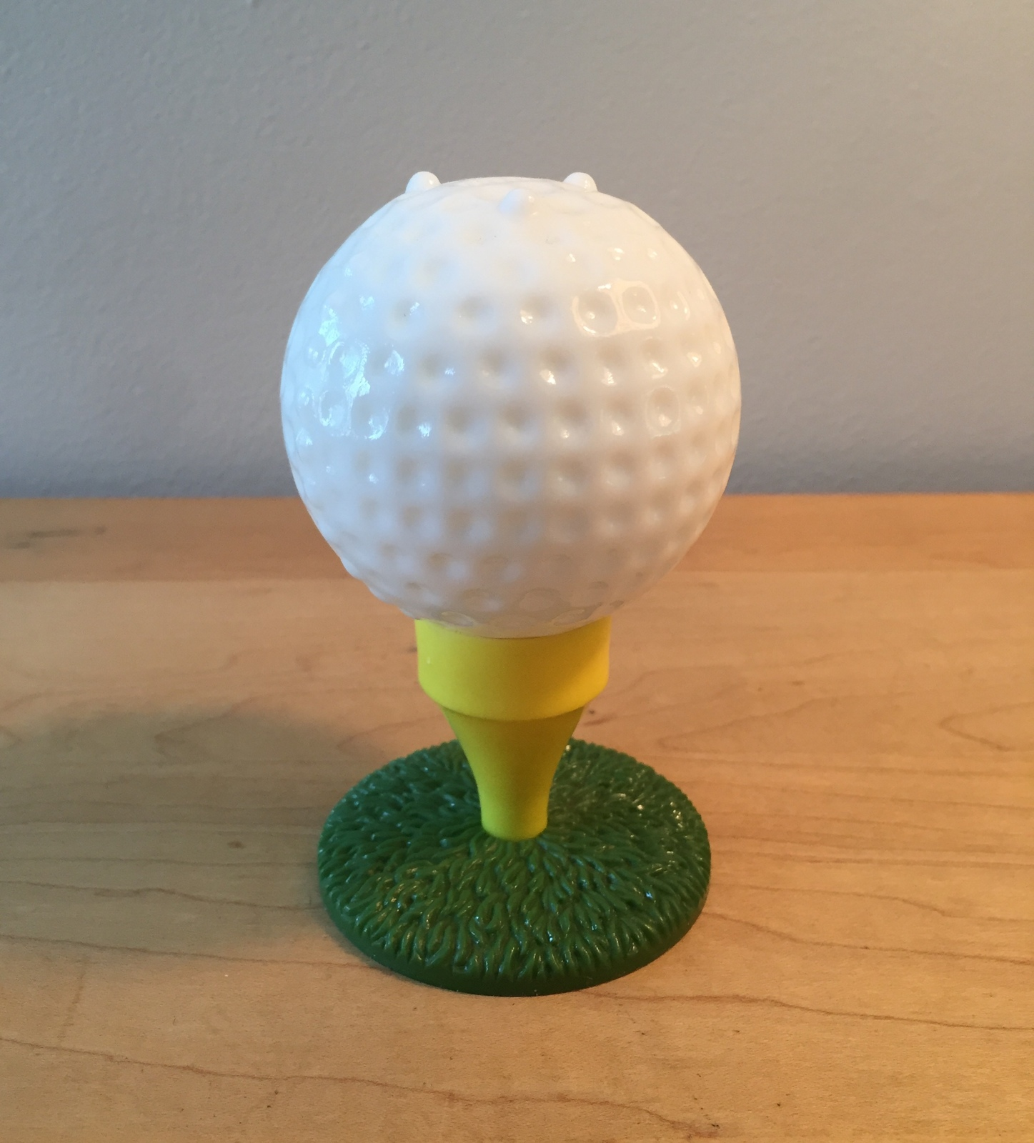 70s Avon Tee Off oversize golf ball and tee bottle (Spicy After Shave)