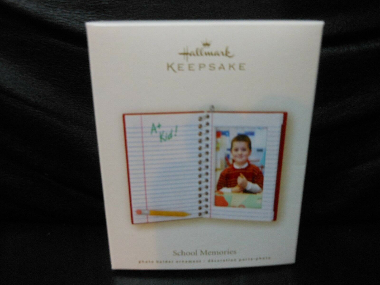 "Hallmark Keepsake ""School Memories"" 2008 Photo Holder Ornament NEW"