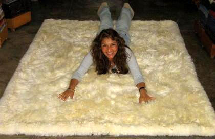 White Babyalpaca fur rug from Peru, 80 x 60 cm/ 2'62 x 1'97 ft