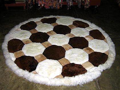 Peruvian round Rug, alpaca fur tricolor, 4.7`diameter