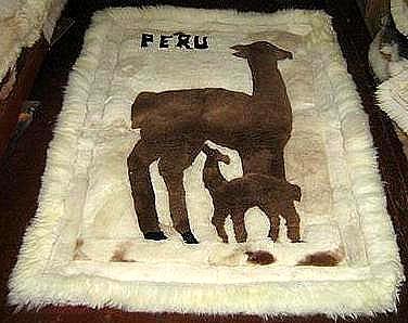 Alpaca motive fur carpet from Peru, Alpakita, 80 x 60 cm