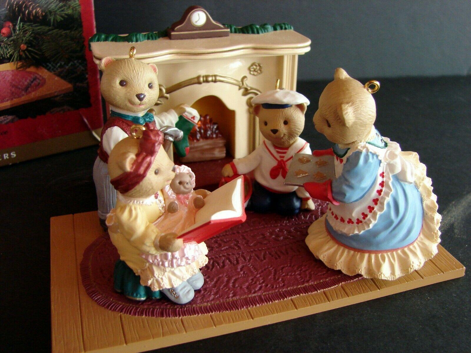 HALLMARK Flickering Light Fireplace & Beringer Bears Family 1993 SET