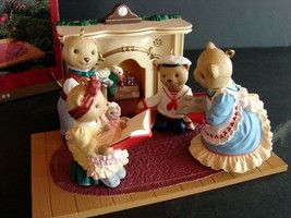 HALLMARK Flickering Light Fireplace & Beringer Bears Family 1993 SET - $19.79