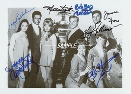 Lost in space photo cast signed by all autographed reprint in B&W - $2.99