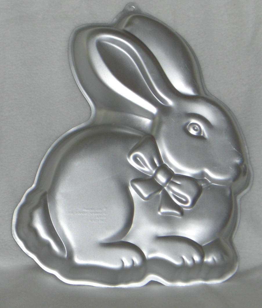 Primary image for Wilton Cake Pan COTTONTAIL EASTER BUNNY RABBIT 2105-2105 Retired 1986