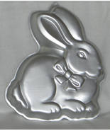 Wilton Cake Pan COTTONTAIL EASTER BUNNY RABBIT 2105-2105 Retired 1986 - $10.95