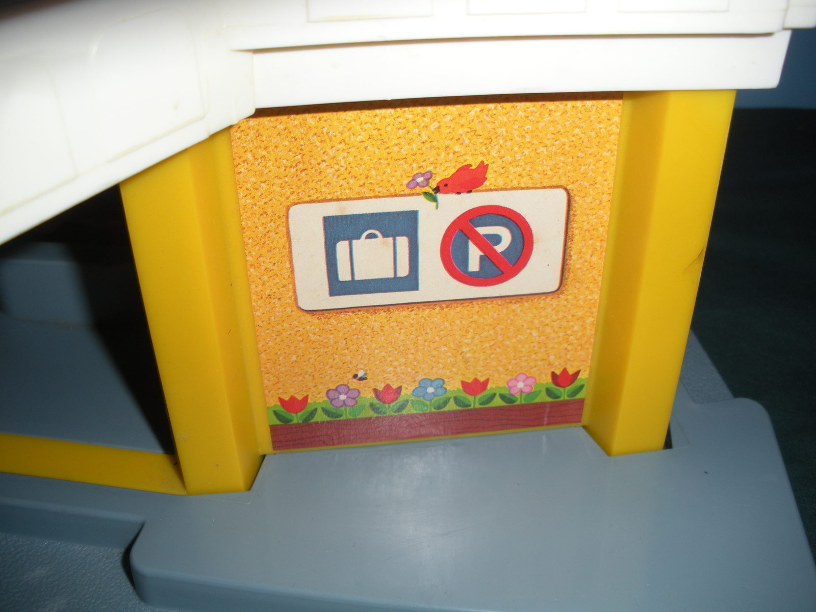 Vintage Fisher Price Play Family #933 Jetport Complete/VG+-VG++ (E) image 6