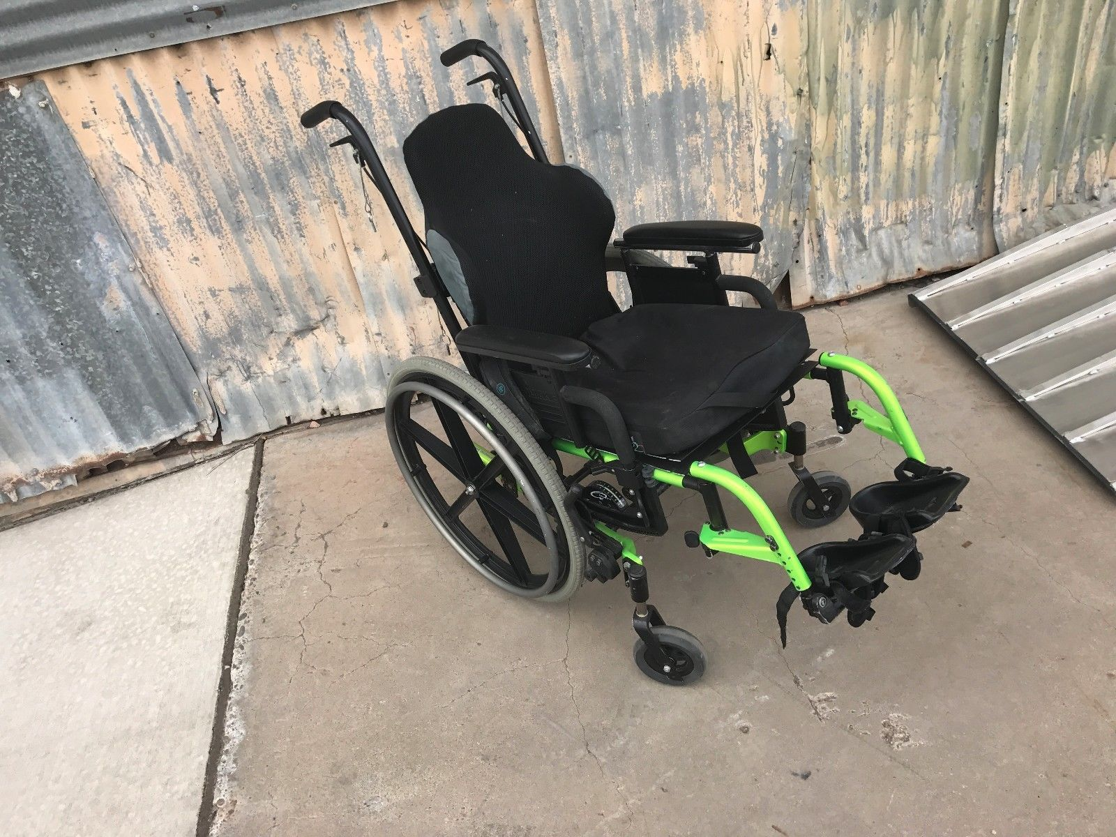Quickie CGT-3275 Manuel Wheelchair J2 J3 Cushion