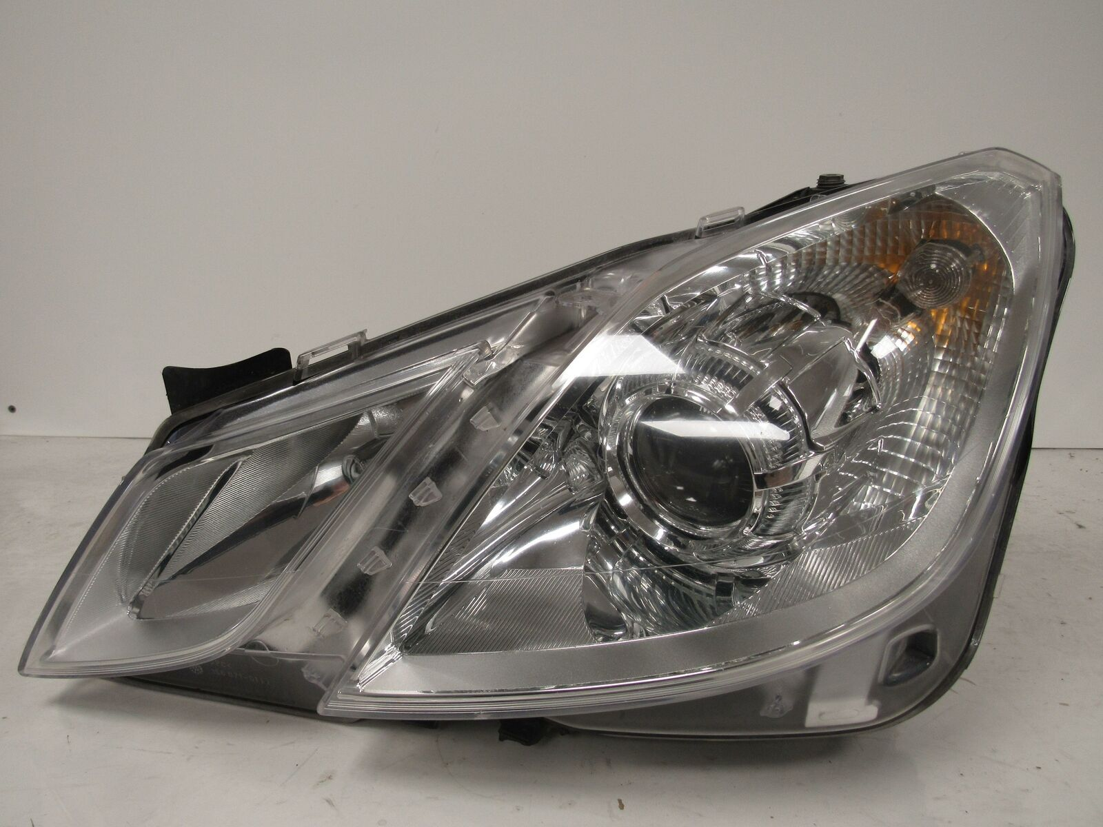 Primary image for 2010 2011 2012 2013 MERCEDES E-CLASS DRIVER LH HALOGEN HEADLIGHT OEM A74L