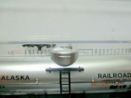 Micro-Trains # 06500256 Alaska Railroad 39' Single Dome Tank Car N-Scale image 4