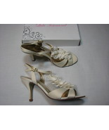 9 Lulu Townsend Ivory White Ladies High Heel Shoes Womens Ruffle Lilli S... - $24.99