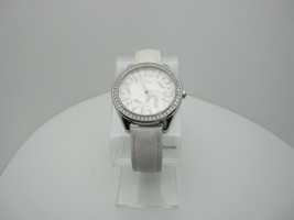 Women's Guess Crystals Analog Dial Casual Watch (A826) - £25.04 GBP