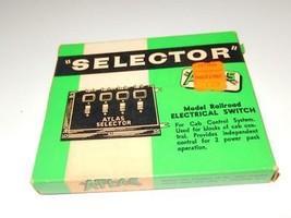 HO TRAINS - EMPTY ATLAS EARLY SELECTOR BOX - GOOD- H22 - $2.71
