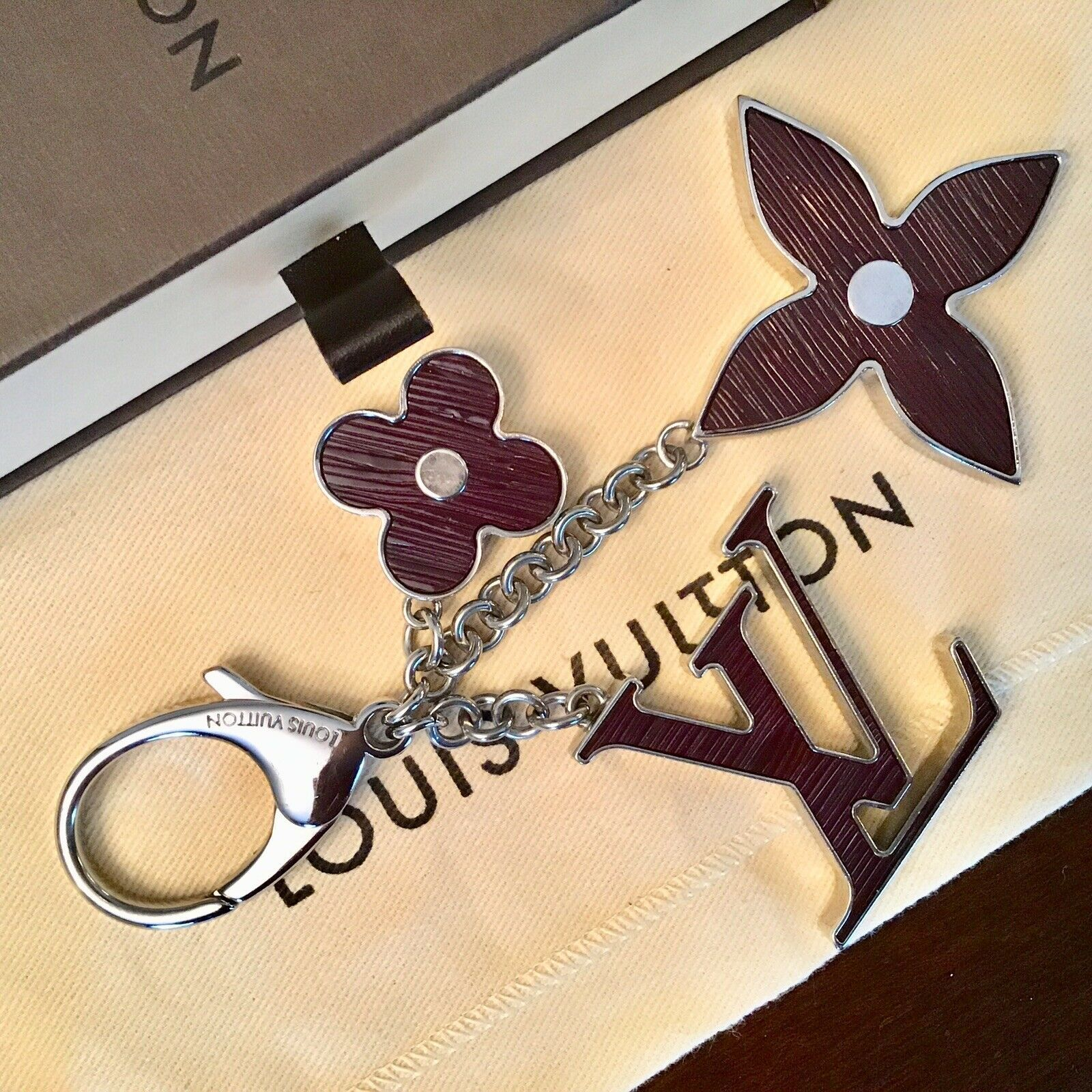 Louis Vuitton Bijoux Sac FLEUR D'EPI Key/ Bag Charm-Gently Used With Date Code image 4