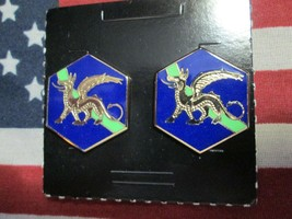 Us Army 22ND Chemical Battalion Crest Dui Hm G-23 Pair - $10.00