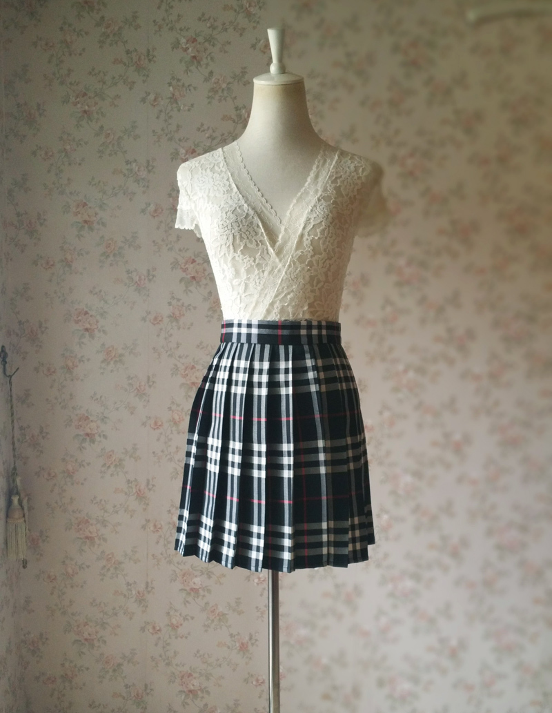Girl BLACK and WHITE Plaid Skirt School Pleated Plaid Skirts Plus Size wt32