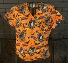 Disney Nursing Scrub Top Orange Mickie And Minnie Halloween Pattern Wome... - $6.99