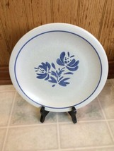 "Pfaltzgraff YORKTOWNE DINNER PLATE 10"" USA BackStamp Gray Blue Floral Motif - $23.38"