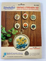 Vintage Wonder Art Cameo Stitchery Kit DAISY BOUQUET No. 5320 - $9.89