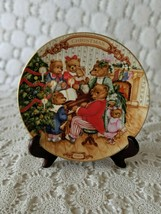 Avon Together For Christmas Collectors Plate Porcelain 1989 22K Gold Trim - $14.54
