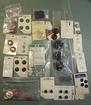 VINTAGE MIXED BUTTON LOT MANY STILL ON CARDS - NEW & USED PLASTIC METAL - $8.99