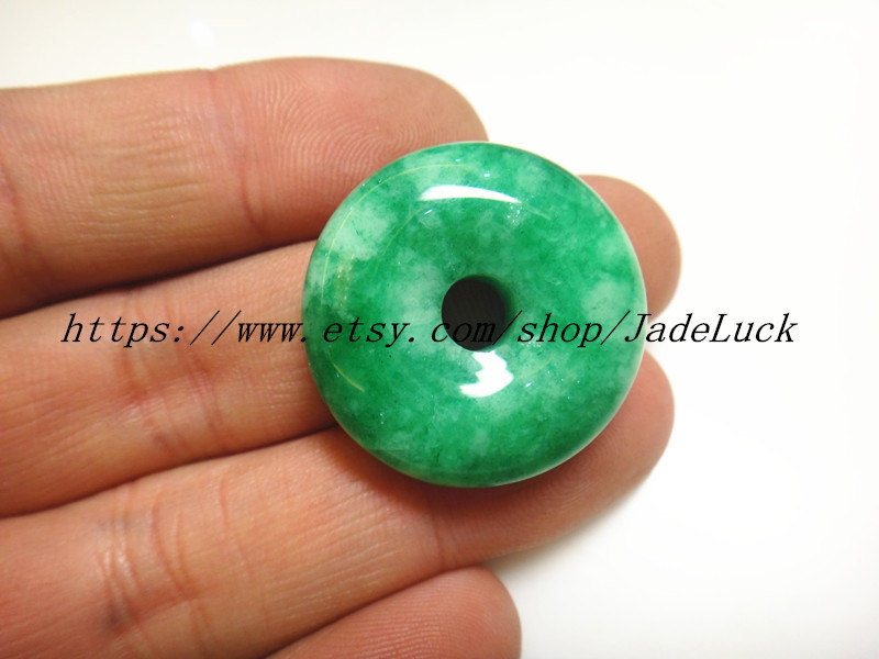 Primary image for Free shipping------100% AAA grade natural green blessings of peace buckle jade p