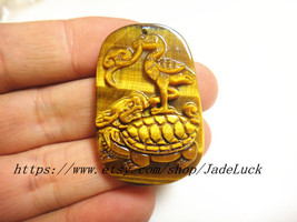Free shipping------Natural Yellow Tiger Eye carved amulet pendant charm turtles  - $26.99