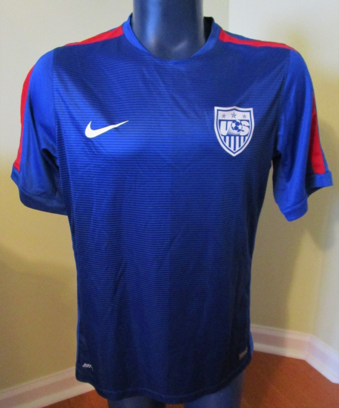 Primary image for NIKE 643865 480 MEN'S TEAM USA 2015 2016 Pre Match SQUAD training JERSEY XL
