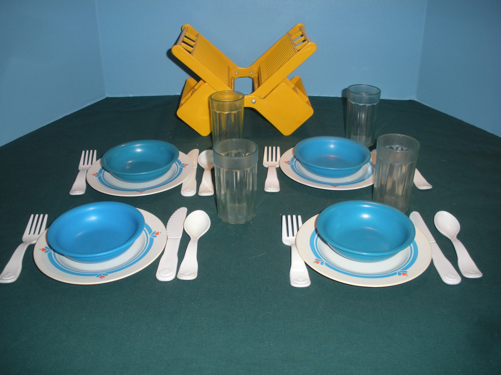 Vtg fisher price fun with food 2107 family dinnerware - Cuisine fisher price bilingue ...