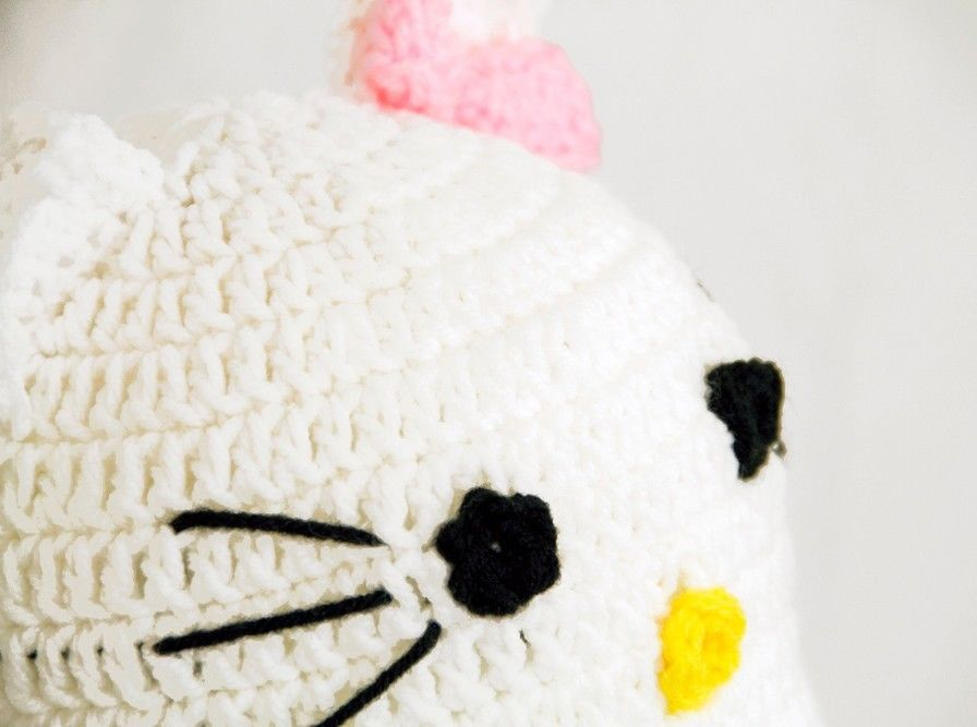 Hello Kitty Earflap Hat, White / Pink Knit / Crochet Beanie Laplander baby-ad...