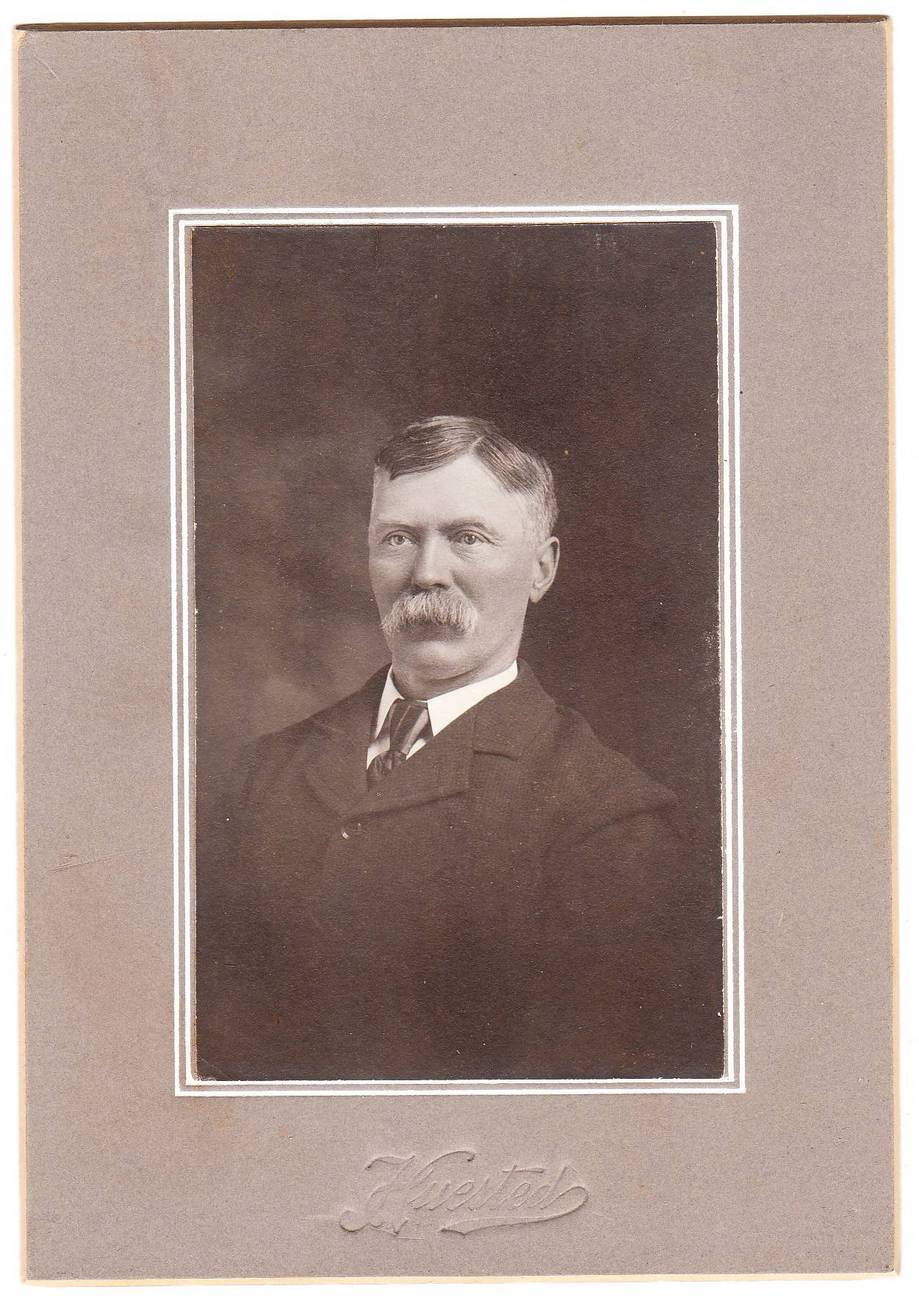 Card photo stern older man with moustache