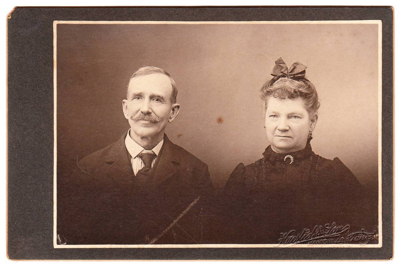 Card photo older couple man with moustache woman with bow
