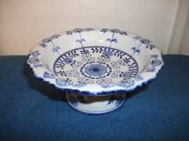 ANDREA BY SADEK FOOTED PEDESTAL BOWL DISH BLUE & WHITE TIDBIT CANDY SERV... - $19.99