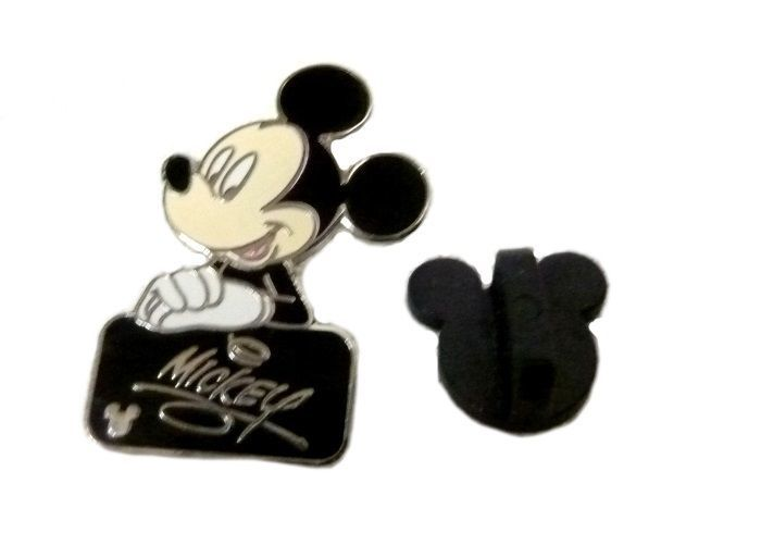Walt Disney Autograph Cast Lanyard Collection Pin World Mickey Mouse Black Tile - $19.37