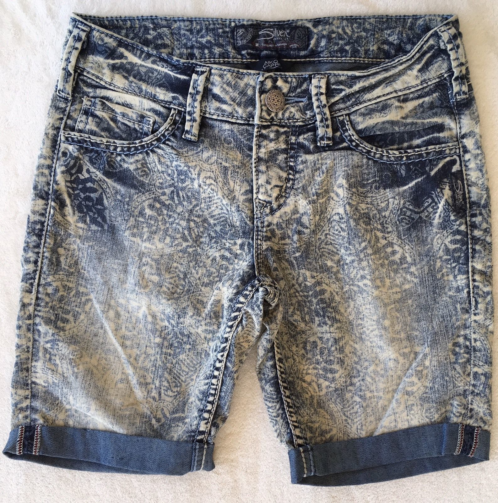 New SILVER Jeans Sale Buckle Mid Rise Printed Aiko Denim Jean Stretch Shorts 26
