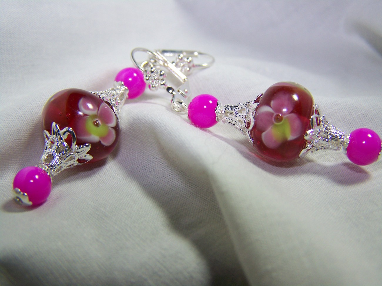 Pink flower lampwork glass mop silver dangle earrings