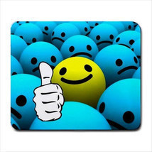 SMILE BALL EMOTICON COMPUTER LAPTOP MOUSE PAD MATS MOUSEPAD - $150,51 MXN