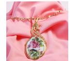 Rose pendant pink background thumb155 crop