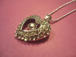 HEART NECKLACE, CRYSTAL   >> COMBINED SHIPPING <<   (6276) - $7.87