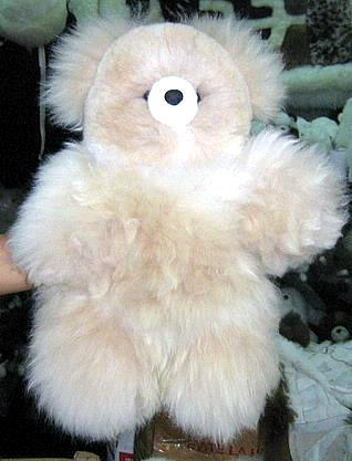 Cuddly and soft Teddy Bear, of Babyalpaca pelt, 17 inch.