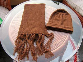 Brown shawl and hat made of alpacawool - $48.00