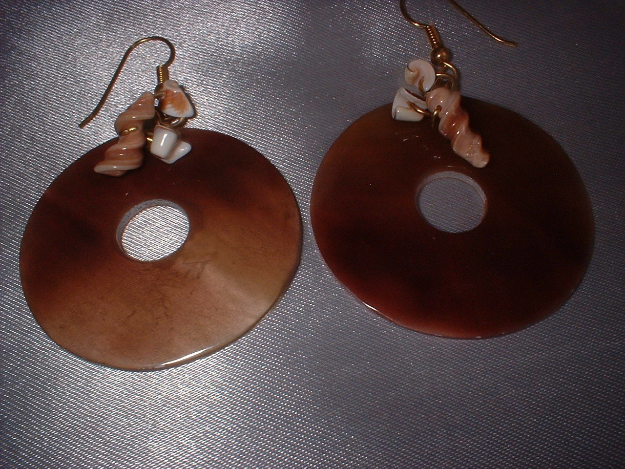 Vintage Jewelry Shell Necklace Earrings