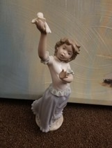 Nao by Lladro Figure Statue  Girl with Dove Handmade in Spain No. 900 - $45.05