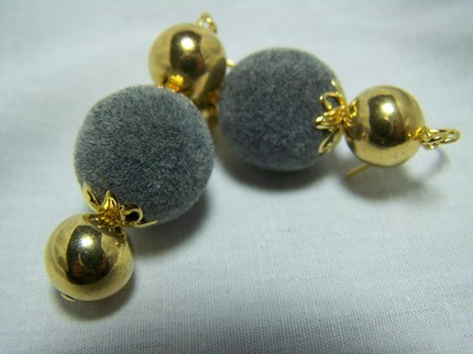 Vintage grey fuzzy balls beads gold dangle earrings