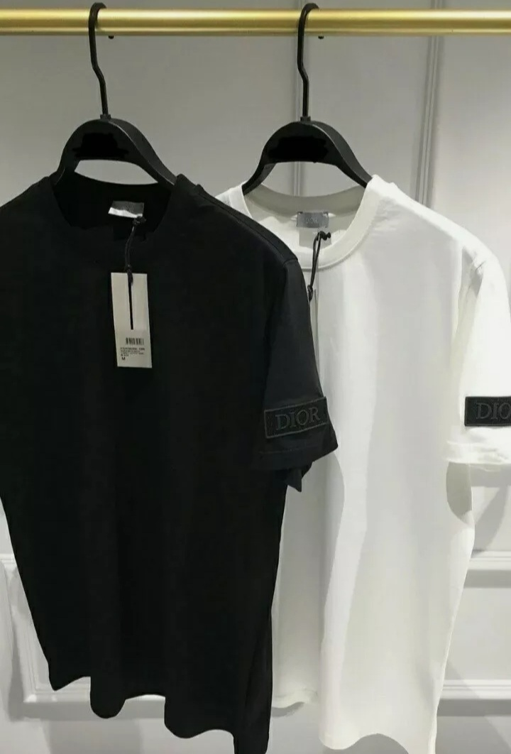 T-shirt Authentic Dior new  with label White man Size  S - $50.00