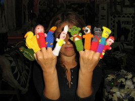 500 Finger puppets, handknitted in Peru,whoelsale - $275.00