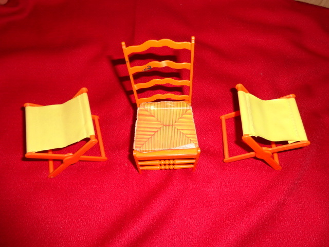 BARBIE FURNITURE & parts lot LIVELY LIVING HOUSE ROOF+aquarium+camper stool + - $15.00