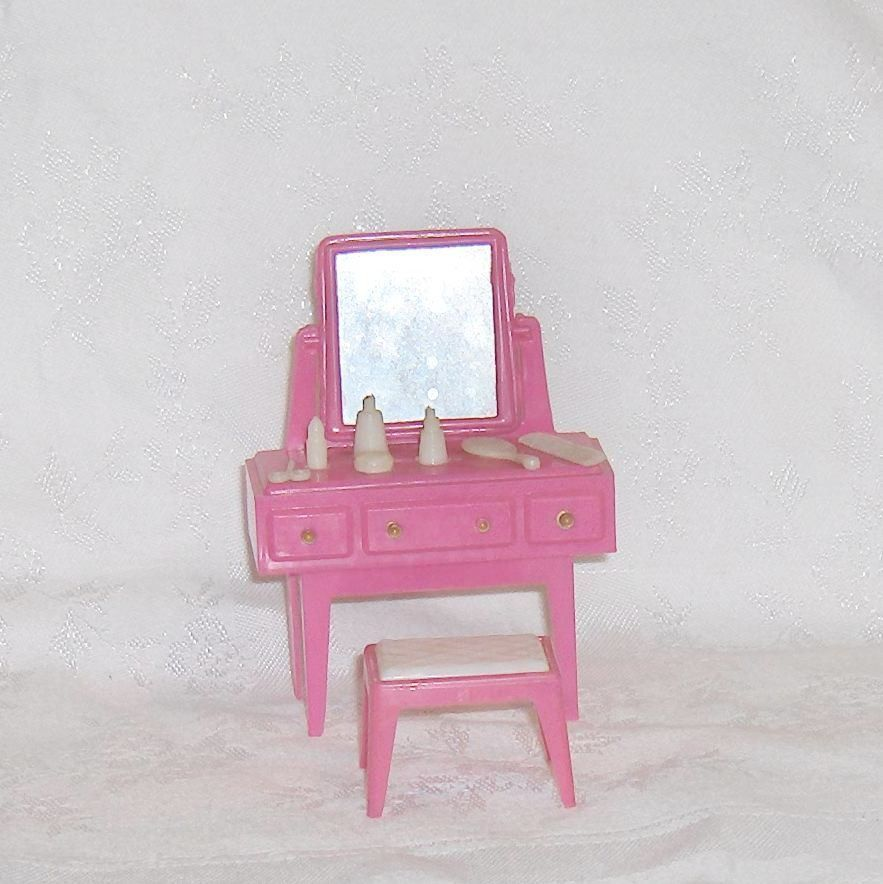 Primary image for Vanity Dresser and Bench Pink Plastic  Dollhouse Furniture