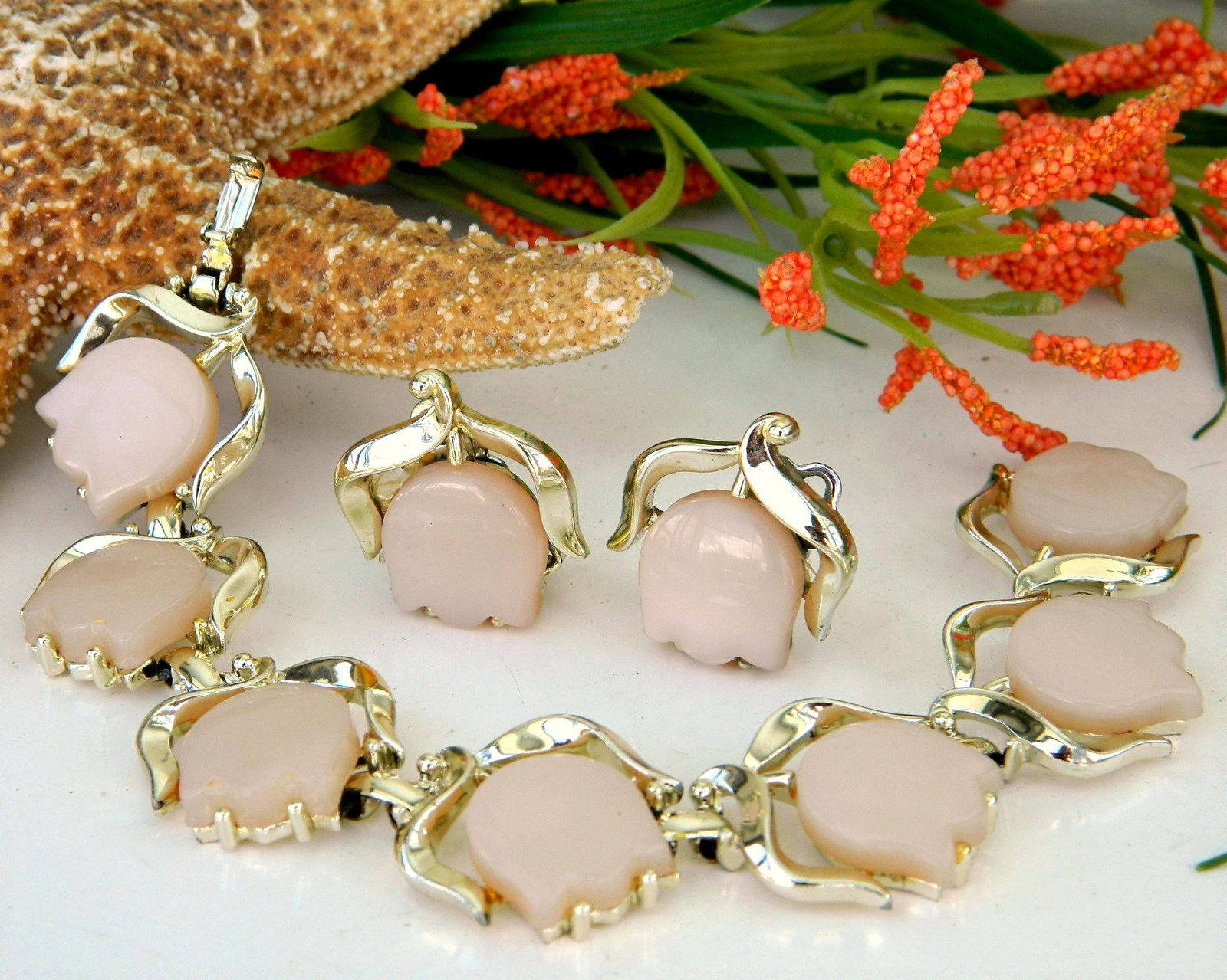 Vintage pink thermoset flower tulip bracelet earrings set signed