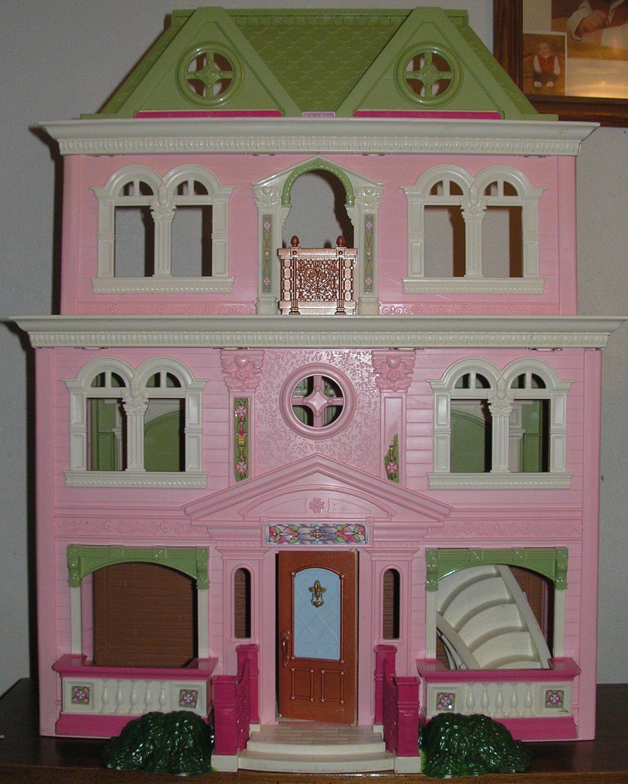 Fisher Price Loving Family Grand Dollhouse Doll House With